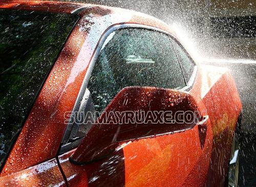 Những sai lầm khi rửa xe ô tô