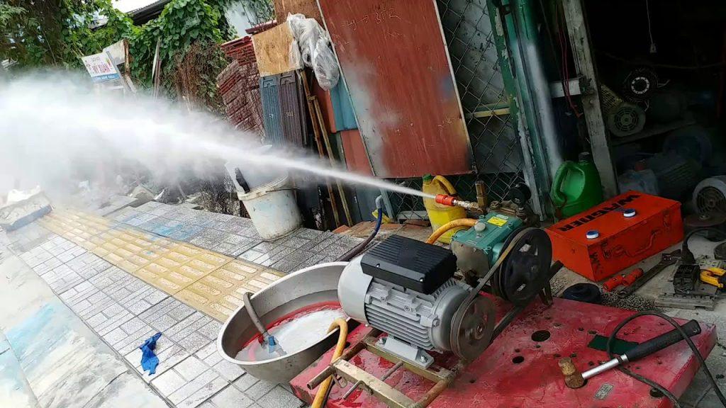 máy rửa xe dây đai cho khả năng phun xịt mạnh mẽ