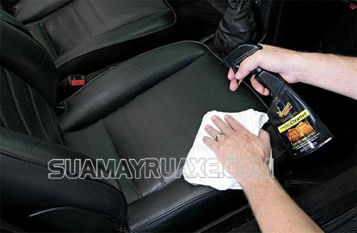 Dọn nội thất ô tô mang lại nhiều lợi ích cho người dùng