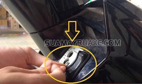 Ổ khóa điện là bộ phận quan trọng trong cấu tạo xe máy