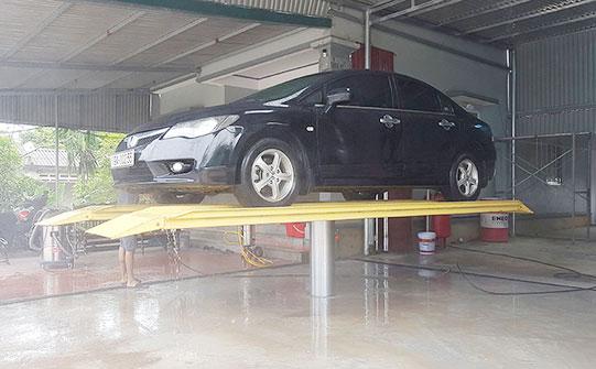 Cầu nâng 1 trụ rửa xe oto – những điều cần biết khi chọn mua