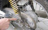 Giảm xóc xe máy bị chảy dầu, nguyên nhân và cách khắc phục