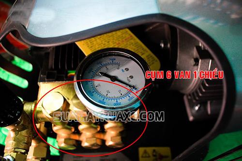 Nguồn điện của máy rửa xe bị lỗi do hệ thống van bị hở