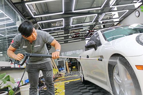Máy phun rửa xe bị lỗi do súng phun bị rỉ nước hoặc vỡ
