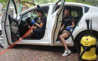 Vệ sinh nội thất xe thường xuyên đảm bảo xe luôn khô thoáng, sạch sẽ