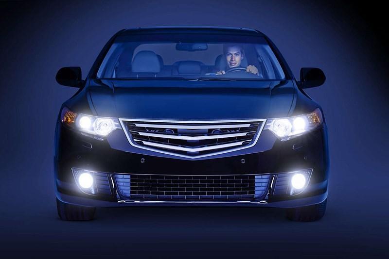 Kiểm tra hệ thống đèn xe thường xuyên khi đi và những đoạn đường xấu
