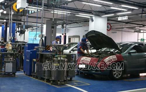 Trang bị đầy đủ các thiết bị cần thiết cho gara ô tô