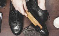 cách đánh xi giày đen bóng
