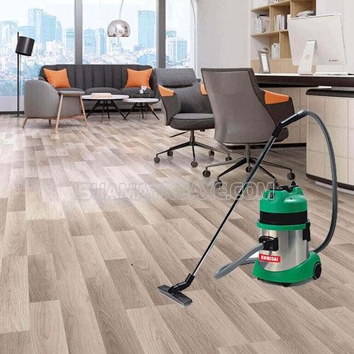 Máy hút bụi Kumisai được ưu tiên sử dụng để vệ sinh sàn gỗ cho doanh nghiệp