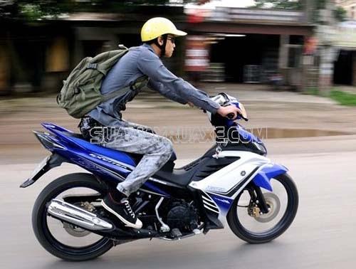 Cách chạy xe tay côn an toàn