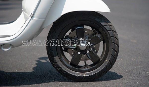 áp suất lốp xe máy quá căng