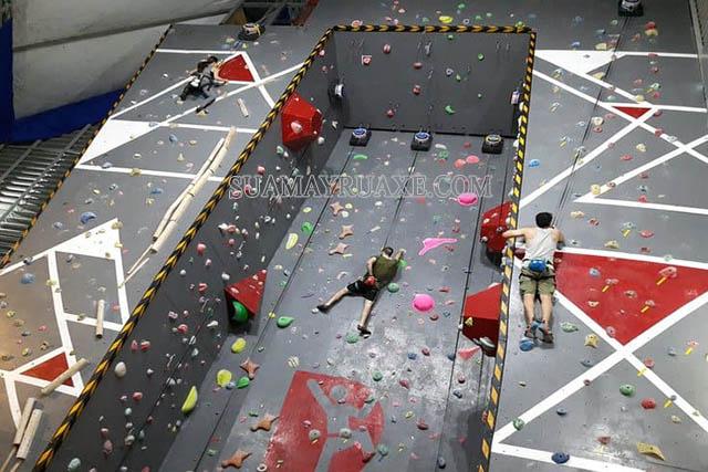 Push Rock Climbing không dành cho người yếu tim